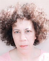 יעל הדיה - סופרת ותסריטאית